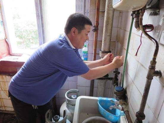 水电工检查设施设备